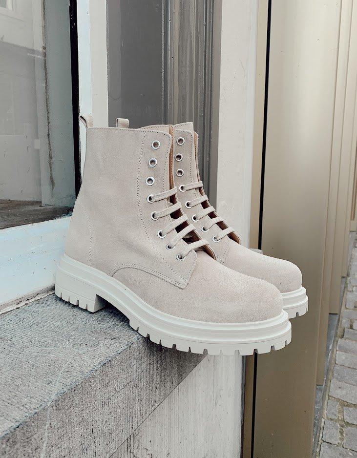 Trend-alert: off white schoenen van Ca'Shott